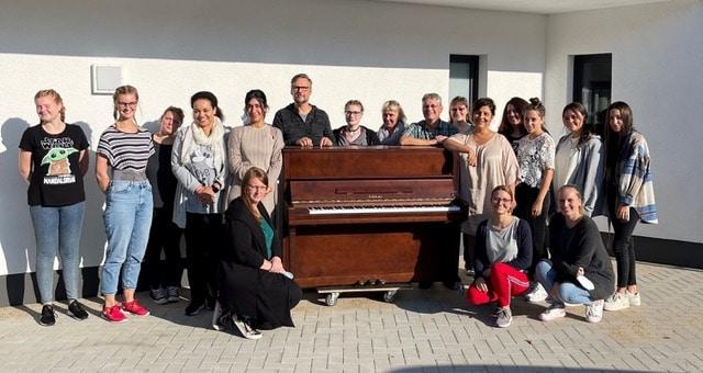 """AWO Kita """"An der Witwe"""" eröffnet – Freude über großzügige Klavier-Spende"""