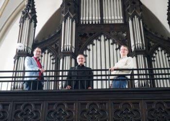 (v. l.) Christian Drengk, Kantor an St. Reinoldi, Kantor Norbert Staschik und Arndt Brodowski freuen sich auf den Orgelstreifzug durch Dortmund. (Foto: Wir in Dortmund)