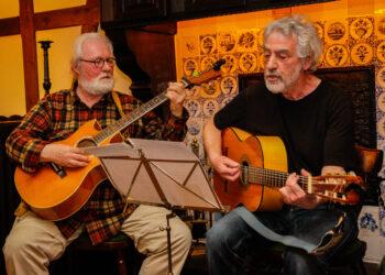 Ihr Konzert wird am Freitag nachgeholt: The FabTwoForYou Wilfried Garner (l.) und Wolfgang Schlesiger. (Archivfoto: Wir in Dortmund)