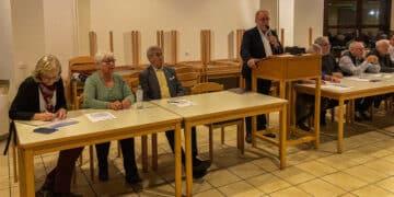 In der Mitgliederversammlung des Heimatvereins Mengede e. V. gab es viel zu besprechen. (Foto: Heimatverein Mengede)