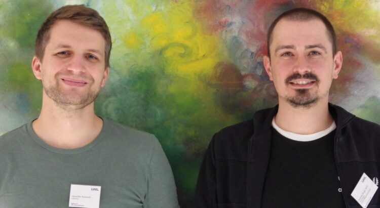 Oberarzt Alexander Reinhardt und Pflegemanager Matthias Pauge laden in die LWL-Klinik zum Gesprächsabend ein. (Foto: LWL/Herstell)